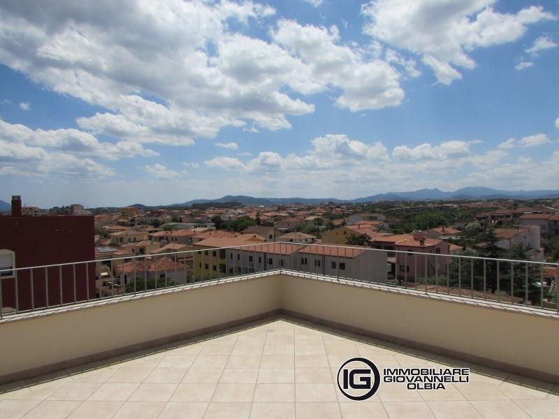 Attico / Mansarda in affitto a Olbia - Porto Rotondo, 4 locali, prezzo € 950 | CambioCasa.it