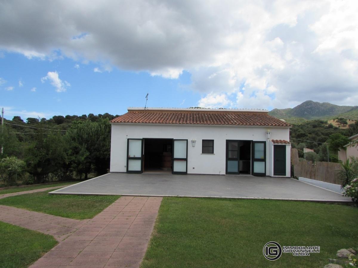 Ufficio / Studio in vendita a Padru, 7 locali, prezzo € 370.000 | Cambio Casa.it
