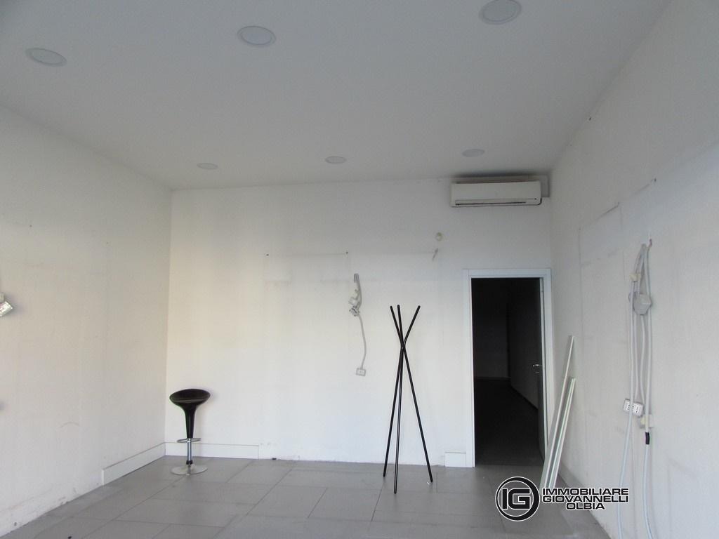 Affitto uffici negozi e capannoni olbia negozio in for Affitto studio ad ore roma